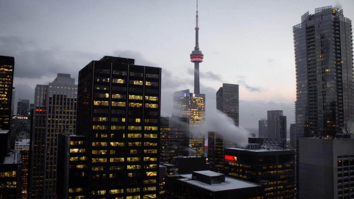 Canadian entrepreneurs aren't taking their companies public — and it's a problem for our economy
