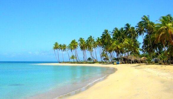Llegar a Playa Costa Esmeralda es como descubrir otra isla