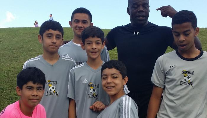Perea, el colombiano que forma a las futuras estrellas de soccer de EEUU