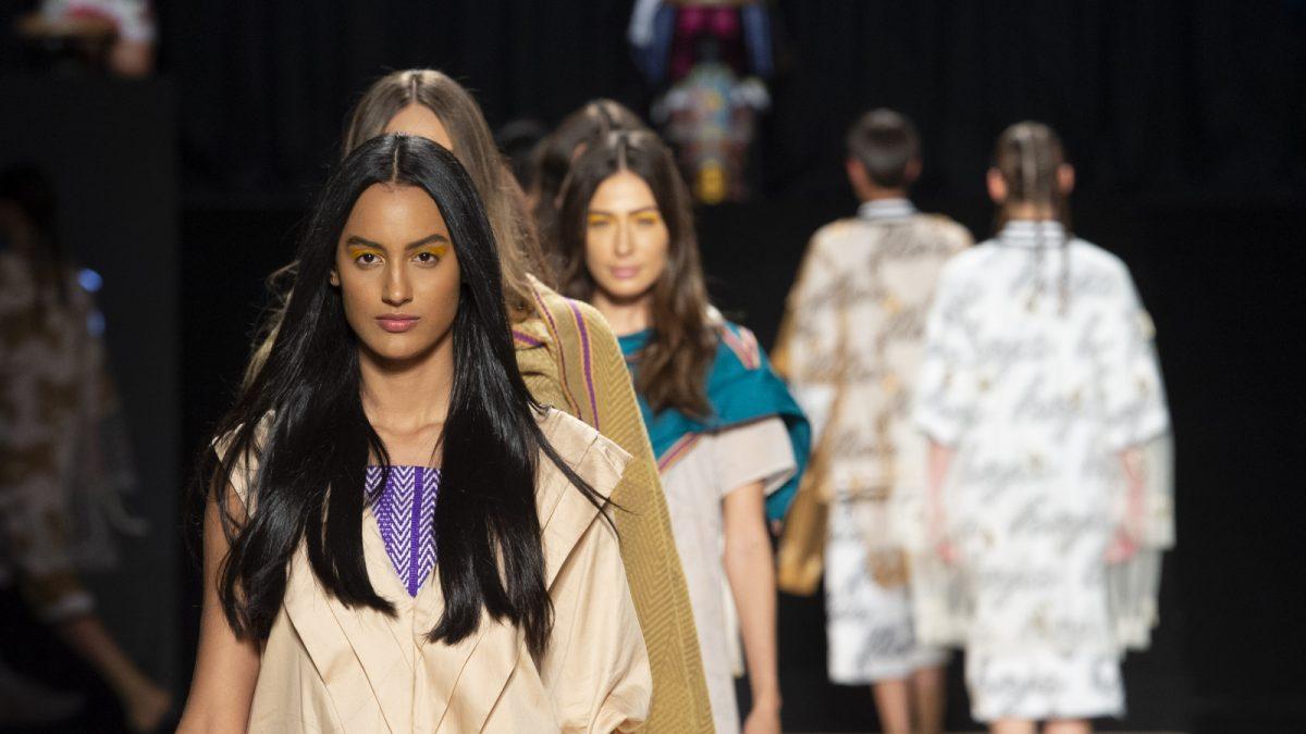 1ed24144842a La moda colombiana busca la inspiración en la huella ancestral del país