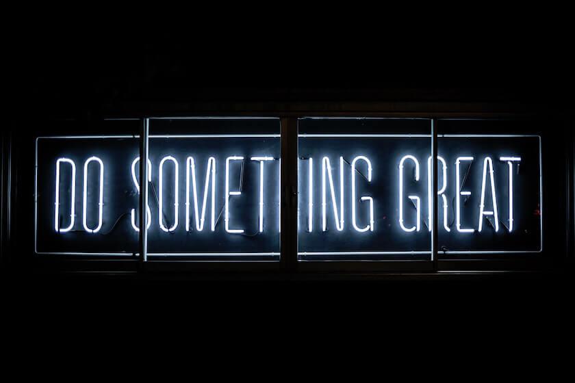 Para obtener buenas ideas para lanzar tu startup, busca anomalías en el mercado
